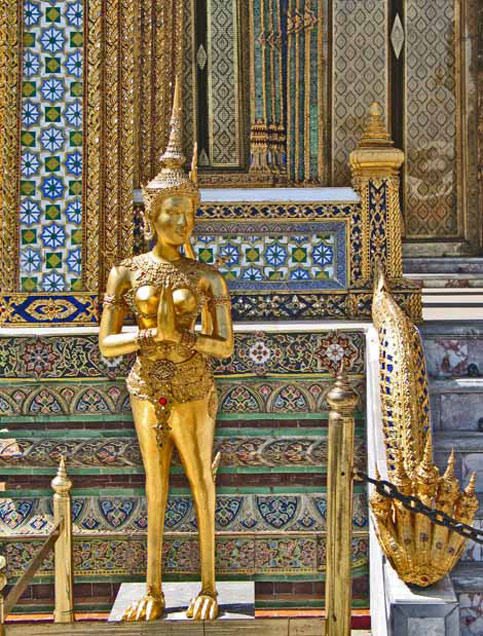 nancy and nate berger travel disabled to palace in bangkok